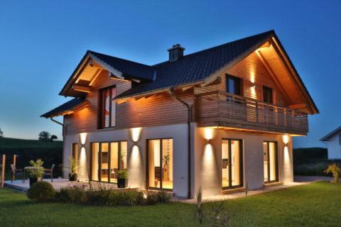 Modernes Holz100 Haus in Steingaden